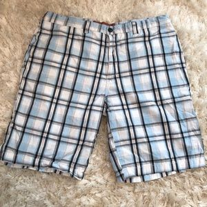 Men's Perry Ellis Shorts. Size 36.